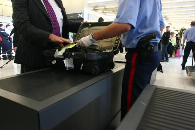 Service des Douanes de l Aeroport de Roissy CDG